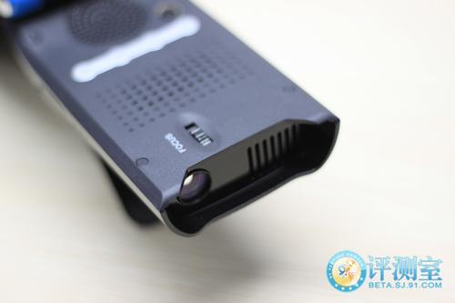 iPhone专用投影仪 MiLi Pico Projector评测