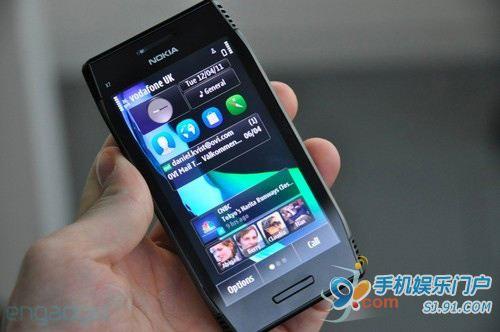 诺基亚称未来12个月将有10款塞班安娜手机